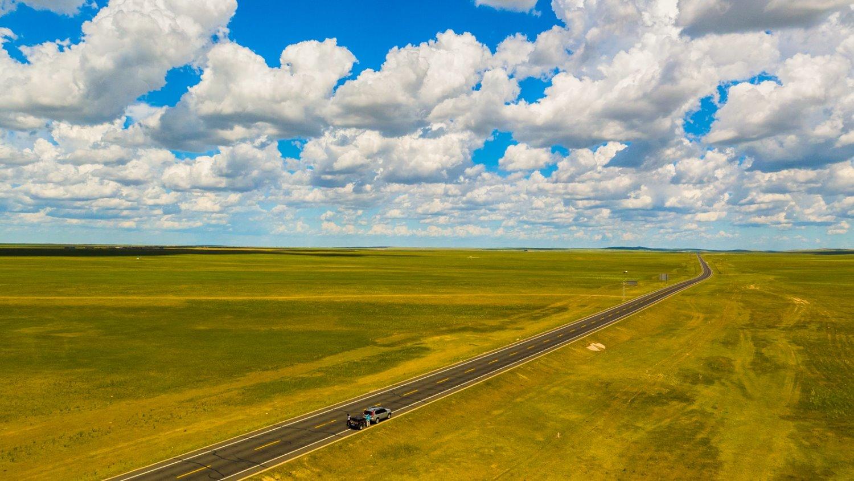 航拍内蒙 — 乌拉盖河和草原怪圈